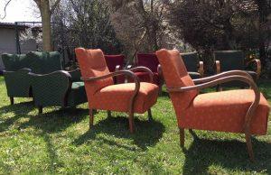 Fotelek a kertben 02