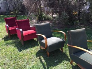 Fotelek a kertben 03