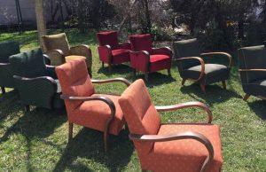 Fotelek a kertben 04