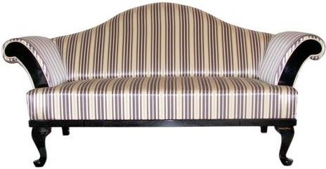 Letisztult, klasszikus formák, minőségi anyagok jellemzik a Marquise kanapét