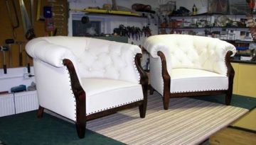 Fehér fotelek